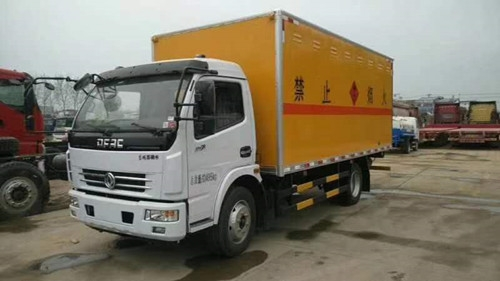 东风民爆器材运输车
