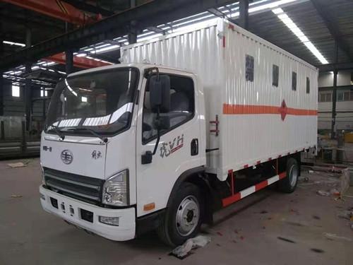 解放易燃气体厢式yabo2019vip